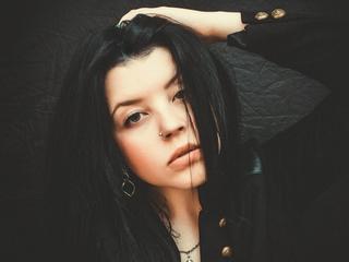 sLina Mitchell