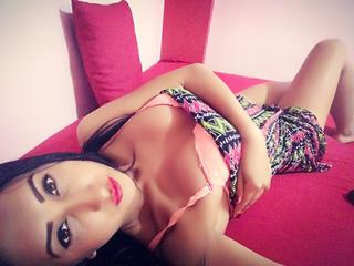 suesseniki, I am a sexy, adventurous, young woman. My name is Niki, I am 22 years old - and I`m here to make you happy. Do not hesitate to visit my room! More surprises await you. ;)