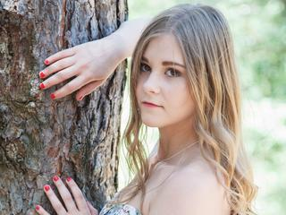 Beverlly - Young, sexy woman - is waiting for you.