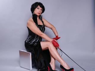 Domina Linda Dorn im Erotik Chat