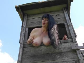 rosieblatt - Anal-Sex, Exhibitionismus, Oralsex, Orgien, Rollenspiele, Schlucken, Sexspielzeug, Voyeurismus, Live-Dates sind meine sexuellen Vorlieben!