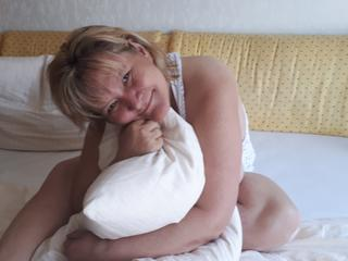 MILF CHANTAL - Sex Cam