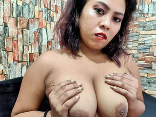 BigBoobsLyn - Internet, shopping, music - Hi im Lyn and i have a very big boobs. For sure u like it to play with them...??? Or with my pussy?