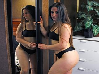 ChloeBabe - Swimming, Cycling and HitchHiking - Hi , I`m ChloeBabe. I Studied Relation Economic International...I`m make-up artist and i just made from my make-up passion a little bussines from this...I love to make the women be more beautiful , i love to have fun , to cam , feel good and laught...I always appreciate any donations you may be able to give . It help with my expenses for dream trip to Miami hihi , as well as shooping bags and shoess yayyy