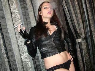 MissSarahBlue - Exhibitionismus, Kaviar, Gangbang, Anal-Sex, Rollenspiele