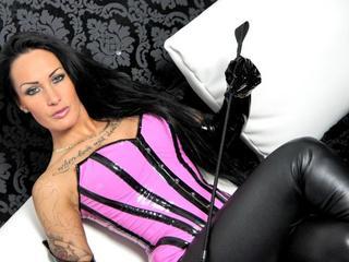 Vanessa - Anal-Sex, Dominant, Fetisch, Intimschmuck, Lack und Leder, Oralsex, Rollenspiele, Sexspielzeug, Swinger, Live-Dates sind meine sexuellen Vorlieben!