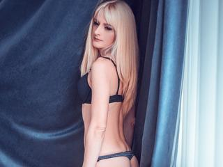 SabrinaLeen - Poledance - Experienced and attractive girl, let's make some memories.
