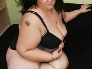 HotLady4You - Molliges Luder will Dich!