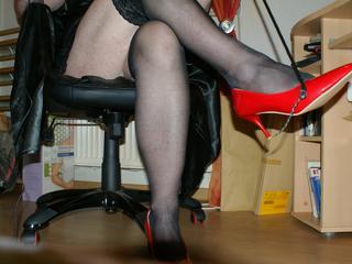 Mistress Andre -  Ich zeige dir wo dein Platz ist.