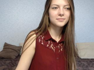 I am a cheerful cat, playful and sweet ... You want to play with me? Come to me, I will give you pleasure that you will not forget. You get enchanting orgasm with me.