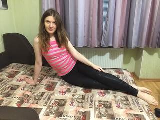 GabrielleL - Dancing, Gymnastics, Fitness  - Hello guys! I am simply college girl with curly hair. In my life i like to have fun and walk around the city. Here i hope to find new friends for fun online. So come to my room for it.