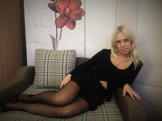 KatrinnaTi - Hello guys! I am blonde mature girl and i like to dance. Here i want to meet new friends for fun and for spending good time. So welcome to my room m waiting.