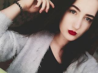 SamantaS - Smart, risky, confident, communicative, kind and easy-going person. I know for sure that my future lover here will also see me very sensual and romantic as I have very big imagination.