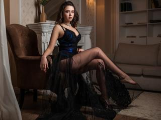 DinaraBananaa -  Hot and full of fantasies!