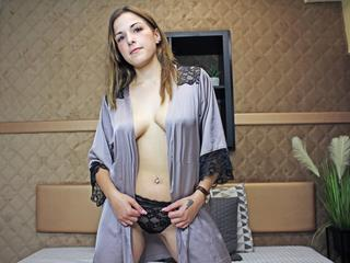 LunaStar - Welcome!I`m glad you`ve come to visit and learn more about me.  I`m 22 years old, brown eyes and hair 5 feet tall (tiny body hihi) and I weigh 99 pounds.  As far of my sexual orientation,I`m straight but I have a soft spot for ladies,which I plan to explore more sometime...Edit:*done it, loved it*