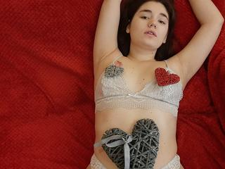 SindyFree - I am nice girl next door. I like to have fun with guys and i enjoing to feel my warm body. Want to join me? Come here