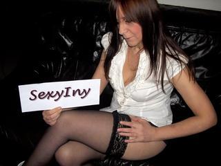 Besorg es ihr, der sexsüchtigen Lady SexyIny!